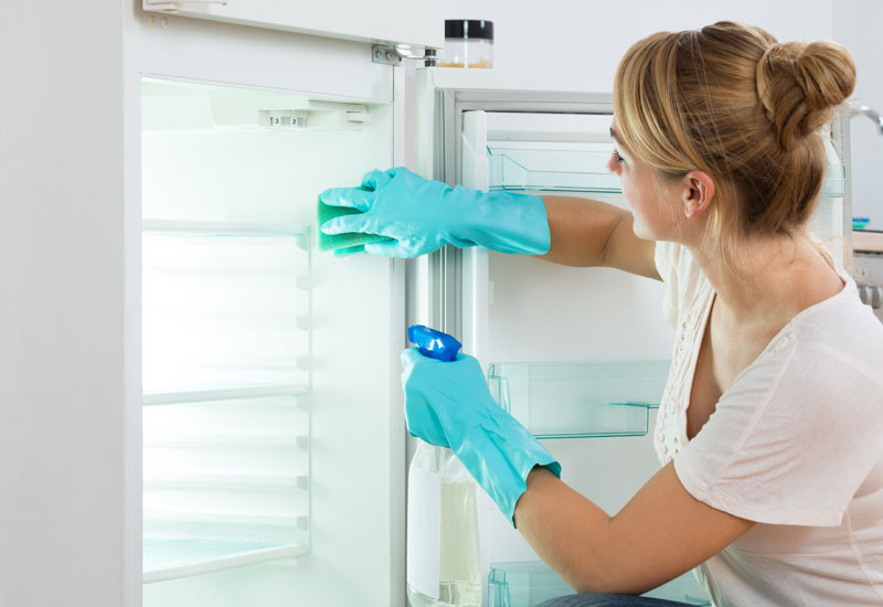 Tips-for-Deep-Cleaning-the-Refrigerator