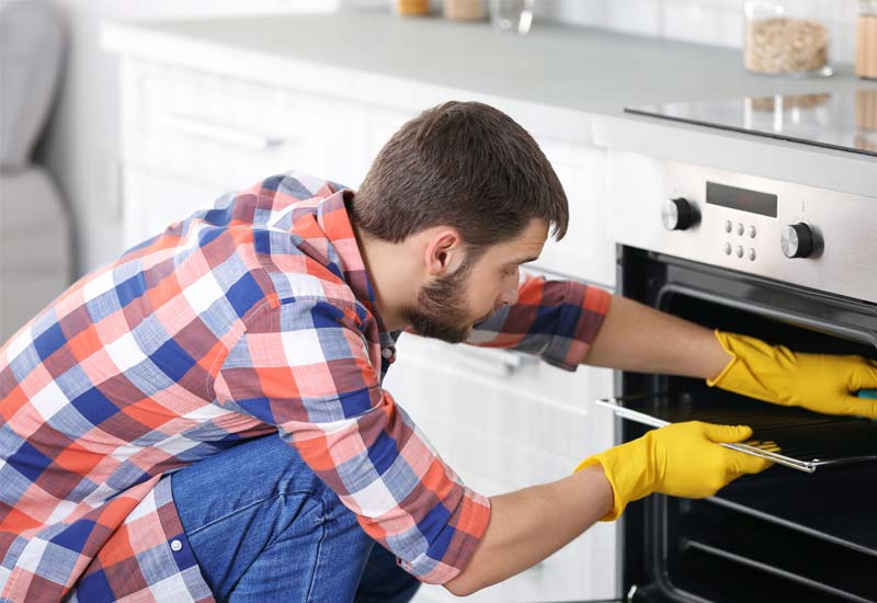 How-to-Deep-Clean-Your-Oven-Naturally