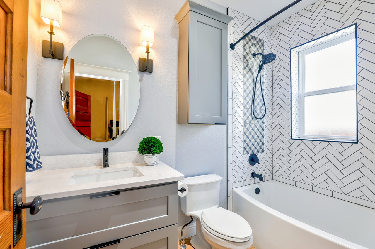 Best Bathroom Cleaning Tips You Should Follow Now